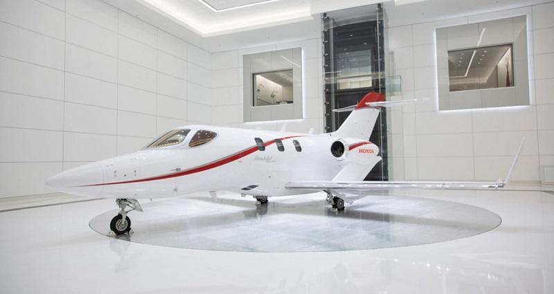 Cirrus против HondaJet: что делает частный самолет лучшим?